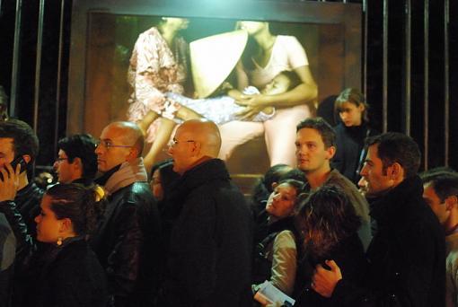 Paris Nuit Blanche - artistic happening by prime-2-railings.jpg