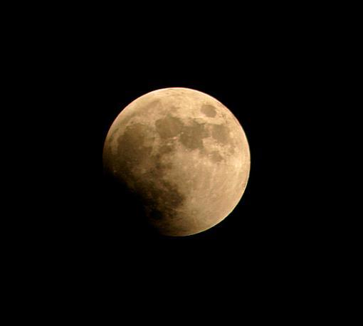 A Few Eclipse Snapshots-moon.jpg