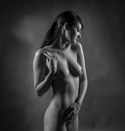 Softening the D800 (nudity)-4538-090.jpg